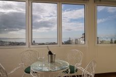 Sala de jantar com vista para o Oceano Atlântico