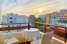 Apartamento em Funchal - Black & White Apartment with pool