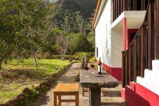Casa rural em Porto Moniz - Retiro na Natureza