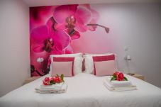Apartment in Funchal - Orchid Flower City Center Apartment
