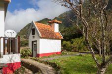 Casa rural en Porto Moniz - Retiro na Natureza